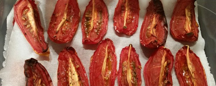 7 Delicious Ways to Use Roasted Tomatoes – Cook up a batch now
